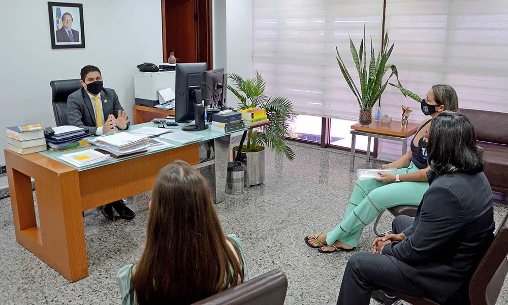 Casa Civil recebe solicitações de sindicatos de policiais civis referente à Reforma da Previdência Estadual