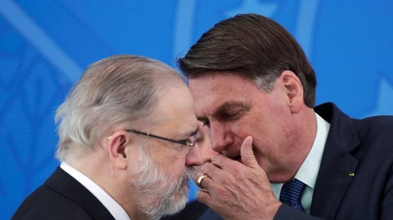 Aras concorda com PF e pede depoimento de Bolsonaro em inquérito no STF