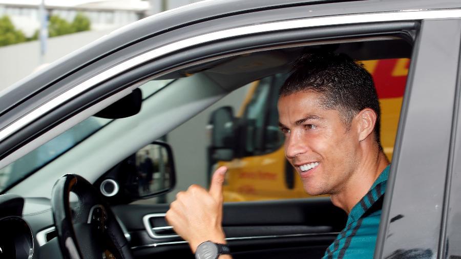 Cristiano Ronaldo é o 1º jogador de futebol da história a ganhar US$ 1 bi
