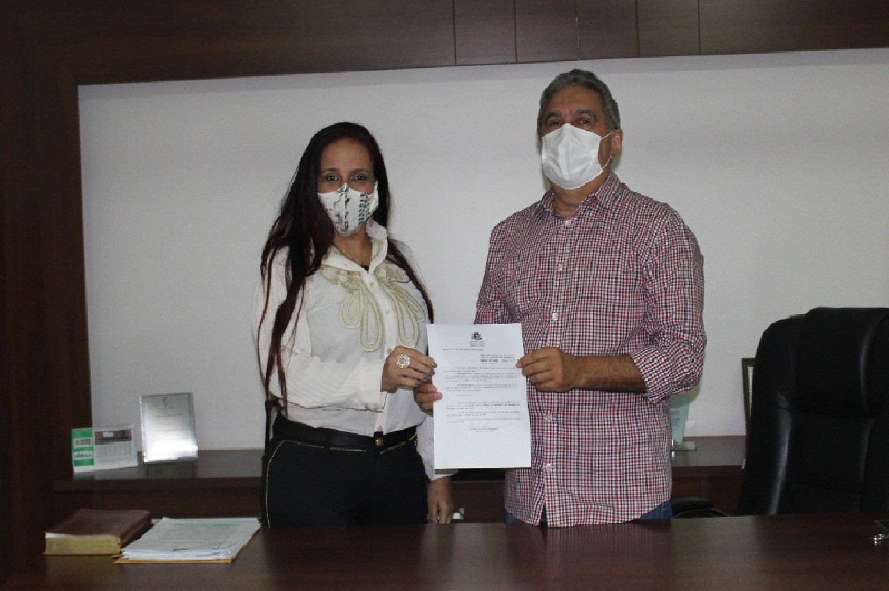 Cristina Donato Leandro toma posse como Presidente do Instituto de Assistência aos servidores de Gurupi
