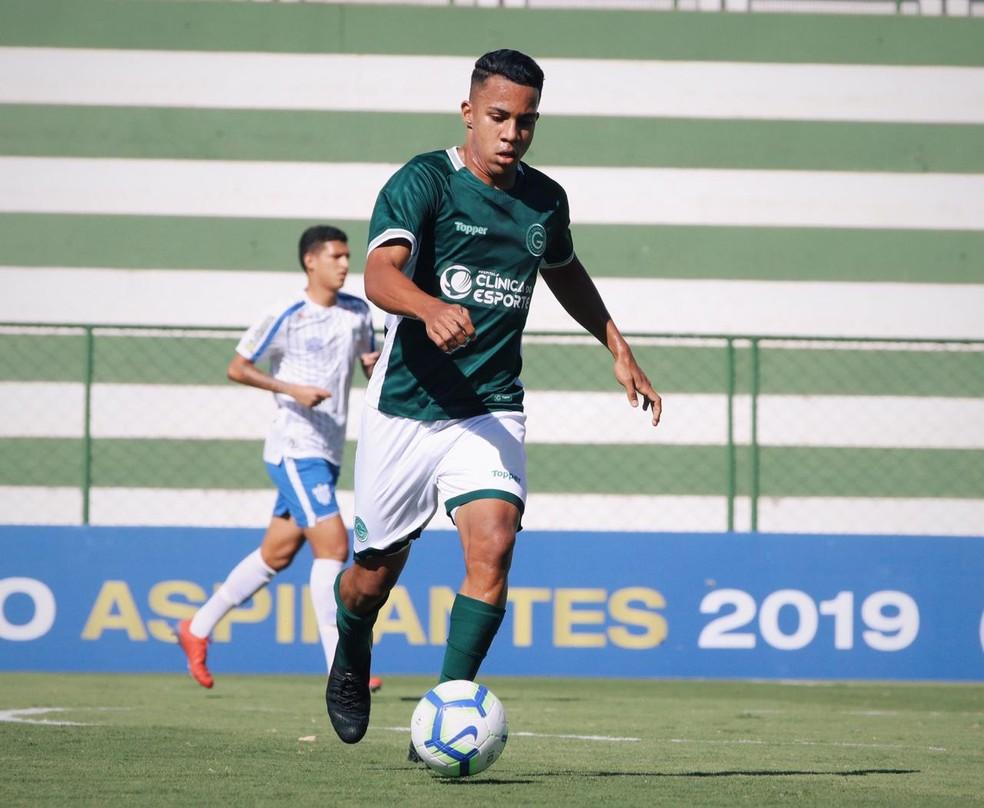 Volante do Goiás fala de expectativa pela volta do futebol