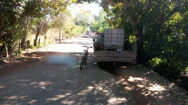 Ciclista idoso morre após bater em caminhonete parada em estrada vicinal no norte do Tocantins