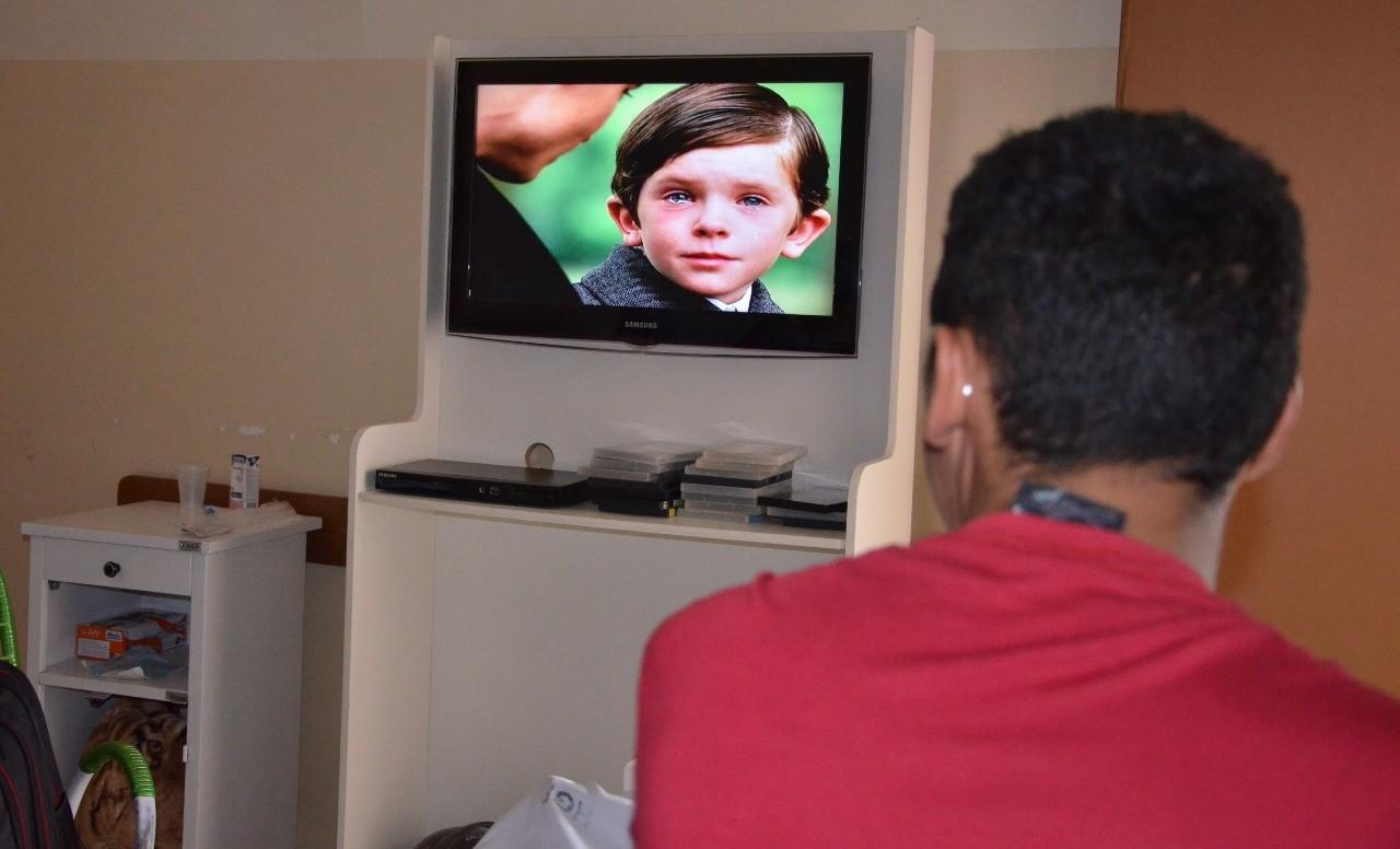 Cinema no AP busca minimizar rotina de pacientes internados no Hospital Geral de Palmas