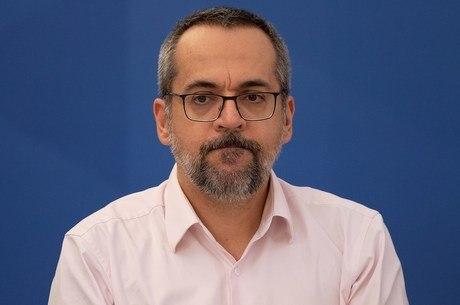 União é condenada a pagar R$ 50 mil por fala de Weintraub