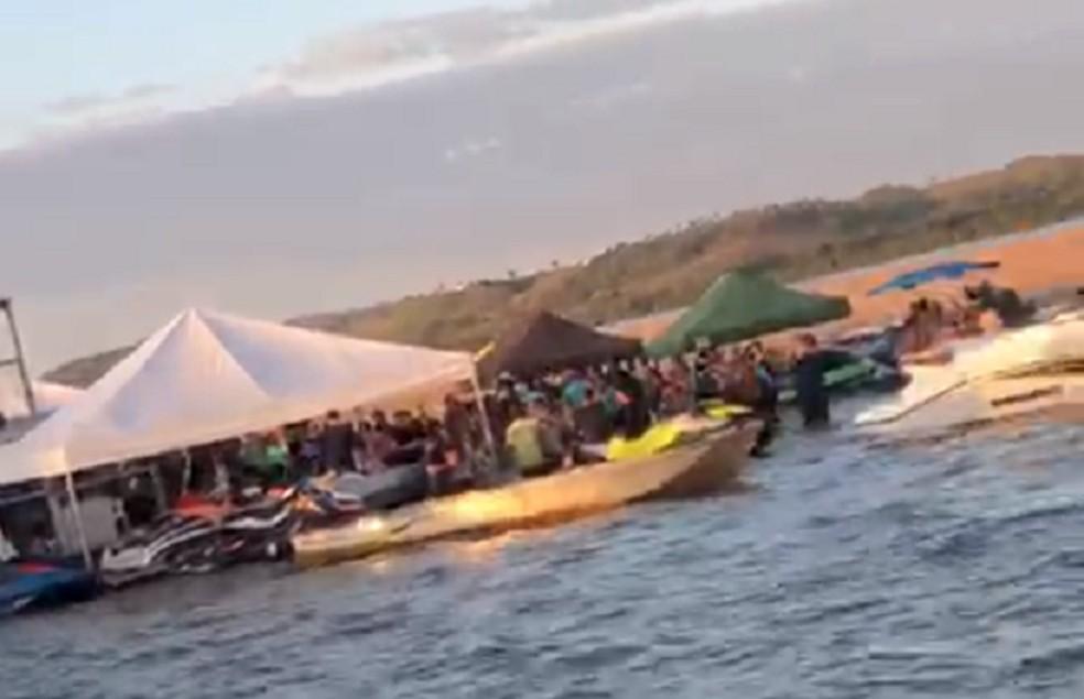 Polícia investiga festa com lanchas e aglomeração em praia no rio Araguaia