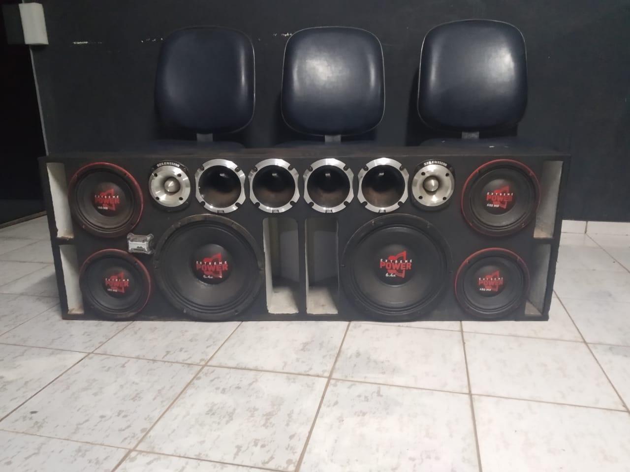 PM apreende aparelhagem de som em Araguaína