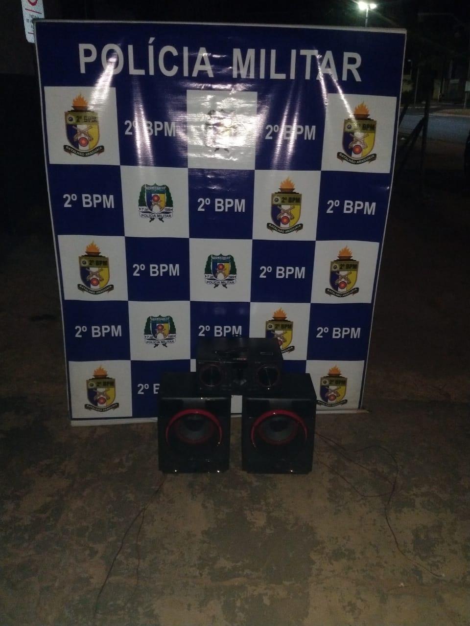PM apreende três aparelhagens de som em Araguaína