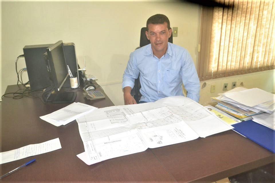 Isaias Piagem veta Projeto de Lei que garante 13º salário e férias a próximo prefeito e vice em Marianópolis