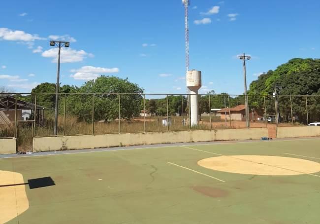 Prefeitura de Marianópolis revitaliza iluminação da quadra de esportes do assentamento Manchete