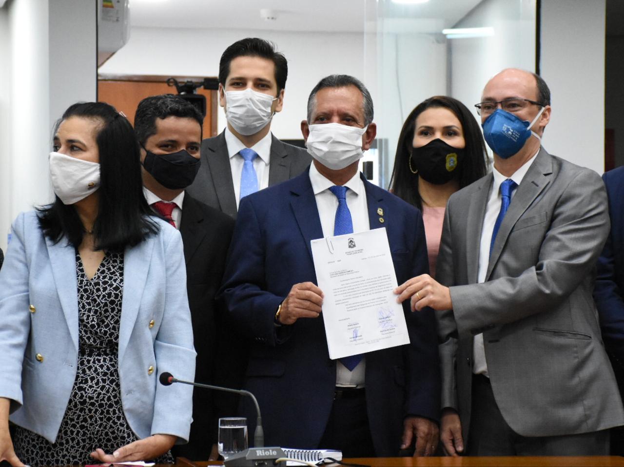Nilton Franco destina R$ 2,4 milhões para estruturação das delegacias de polícia em conjunto com outros deputados