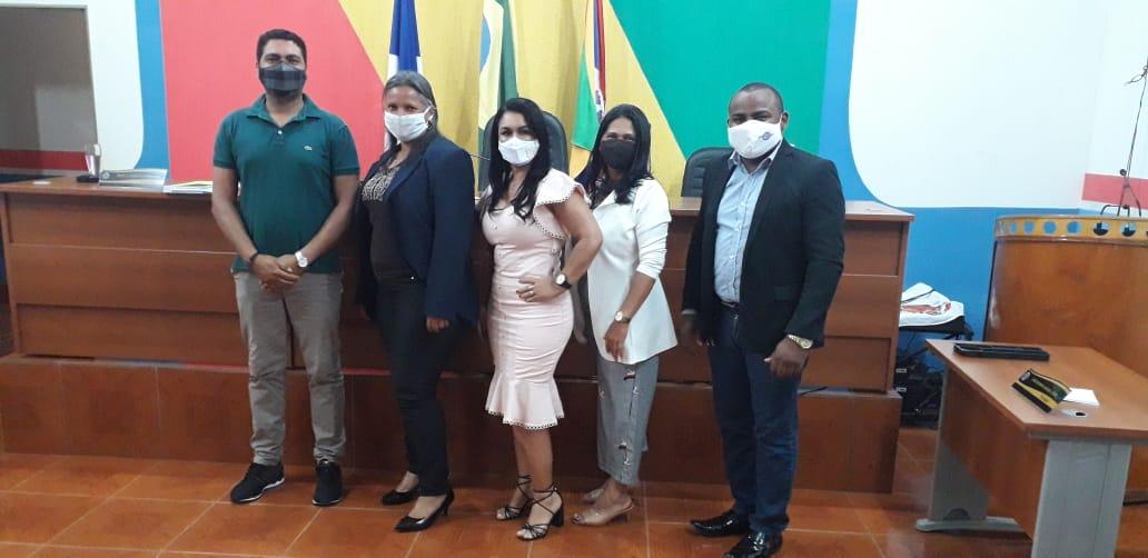 Silvania assume cargo de vereadora em Caseara