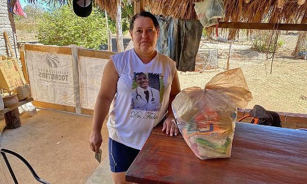 Assentamentos rurais de Porto Nacional, Ipueiras e Santa Rosa são atendidos com cestas básicas pelo Governo do Tocantins