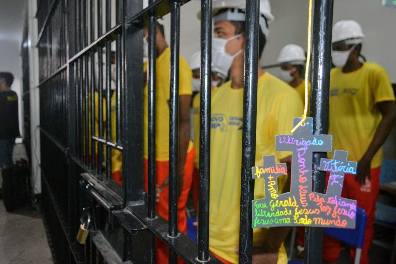 Cidadania e Justiça formou 24 presos em curso de artefatos de concreto e firmou parceria com Prefeitura de Dianópolis