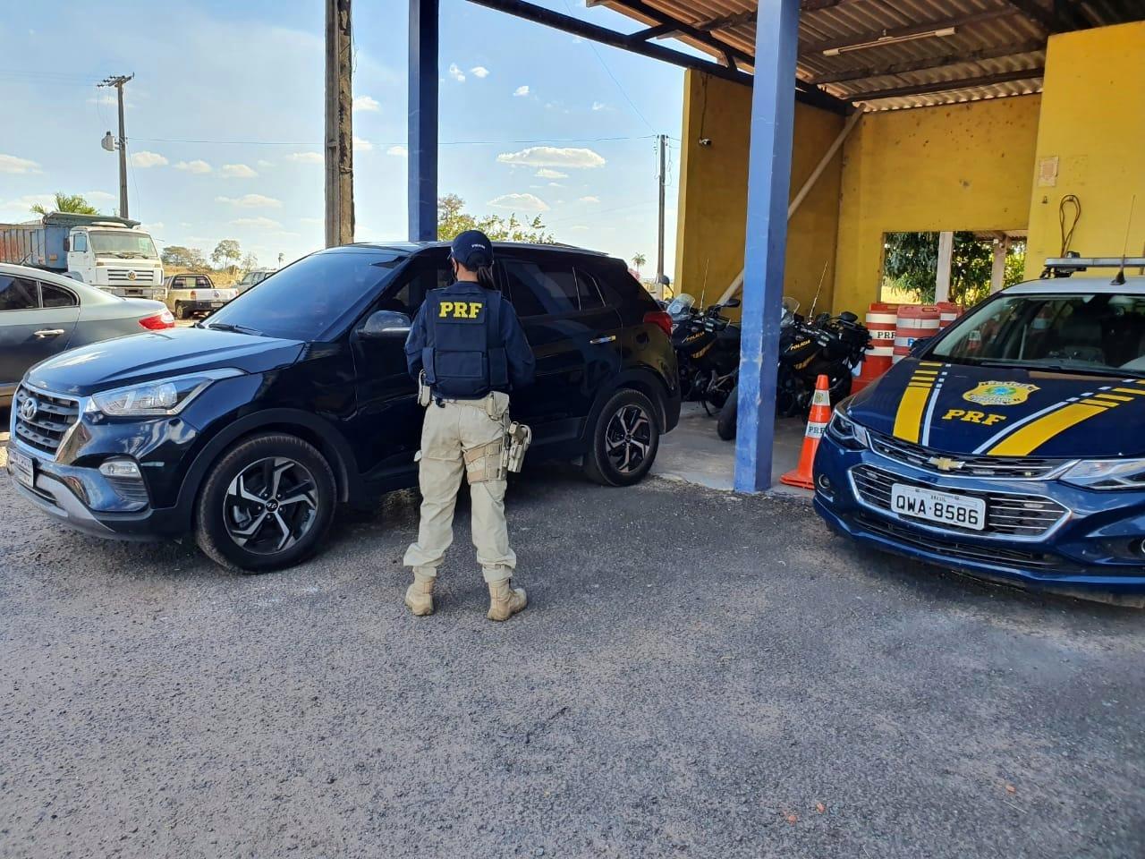 Jovem é preso pela PRF, em Araguaína, após abastecer e não pagar