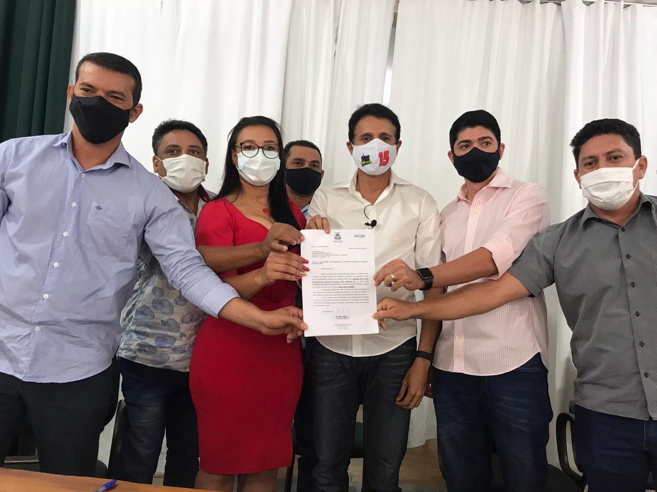 Emenda parlamentar para aquisição de ambulância de suporte avançado (UTI) foi entregue por Nilton Franco a Paraíso do Tocantins
