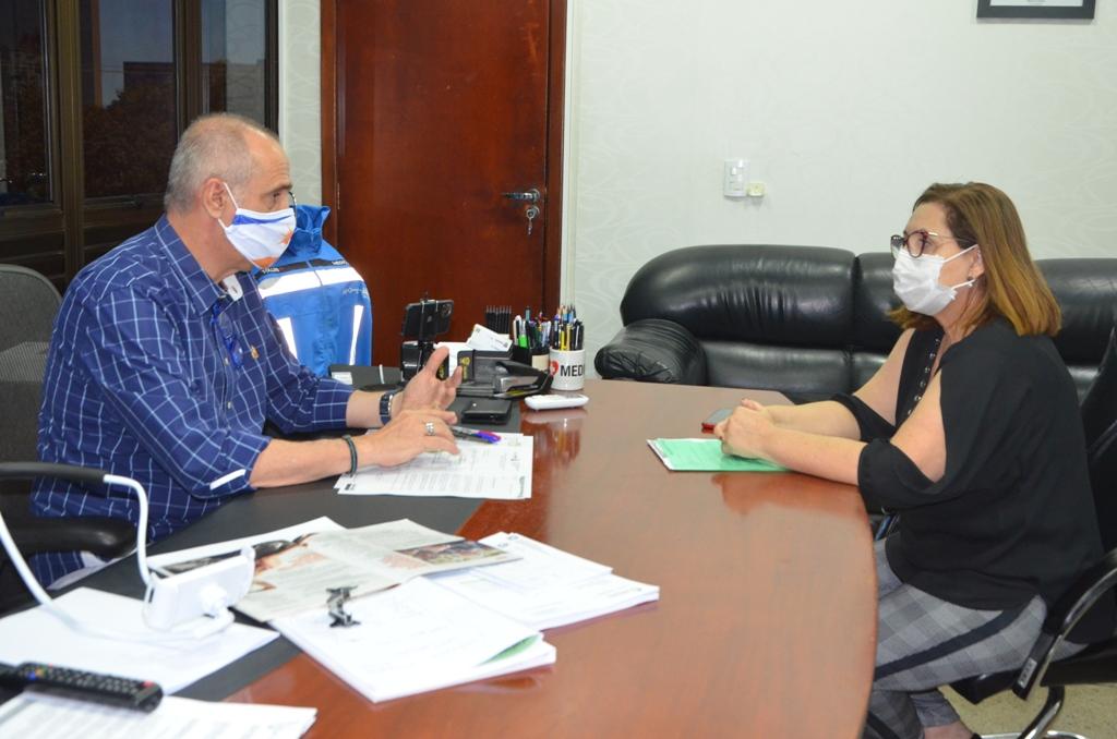 Titular da SES recebe visita da nova secretária municipal de saúde de Palmas