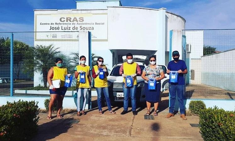 Prefeitura de Rio dos Bois distribui kits de higiene e álcool gel para combate ao coronavírus