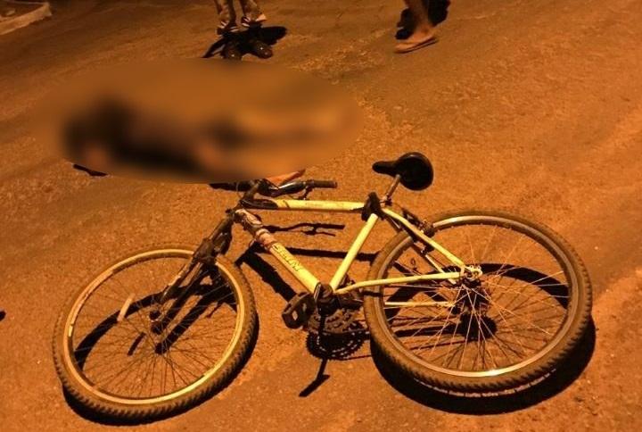 Ciclista fica ferido após ser atingido por caminhonete em Paraíso