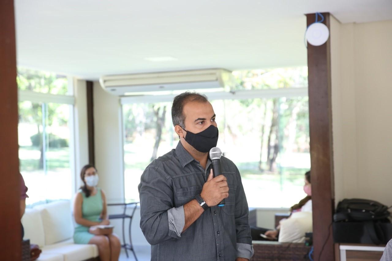 Vereador Filipe Martins passa por cirurgia e agradece orações