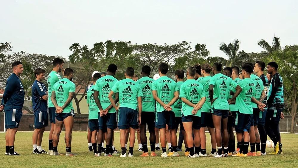 Seis jogadores do Flamengo testam positivo para Covid e Conmebol mantém partida