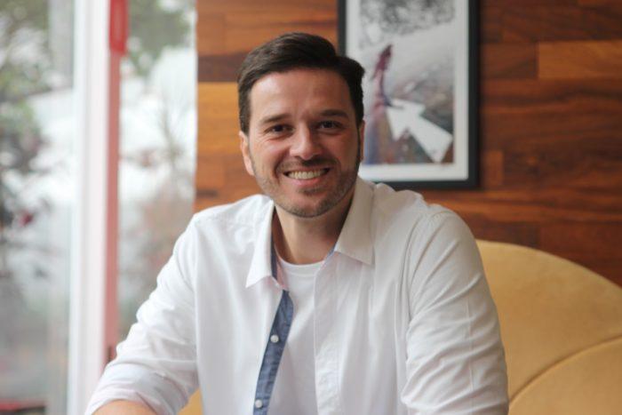 Alexandre Pellaes participa da live do Programa SOS Professor