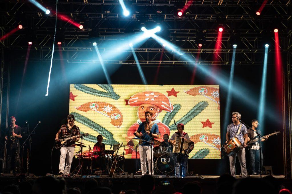 Banda Rastapé leva para o público, muito forró em live
