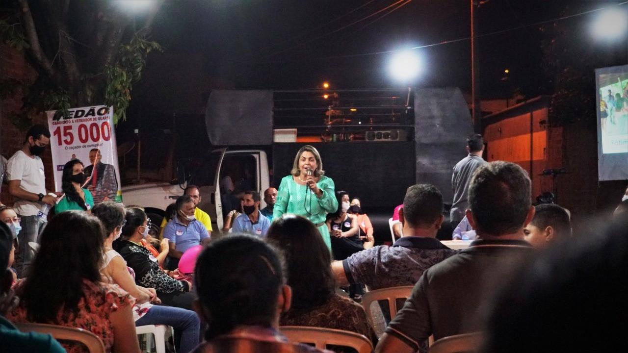 No 'Dia do Servidor Público' Fátima Coelho destacou o papel desses profissionais e apresentou propostas