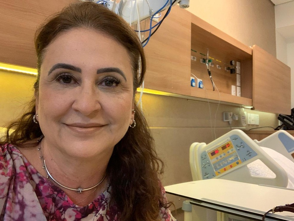 Senadora Kátia Abreu recebe alta após uma semana internada em SP para tratamento da Covid: 'ainda não sinto cheiro, nem sabor'
