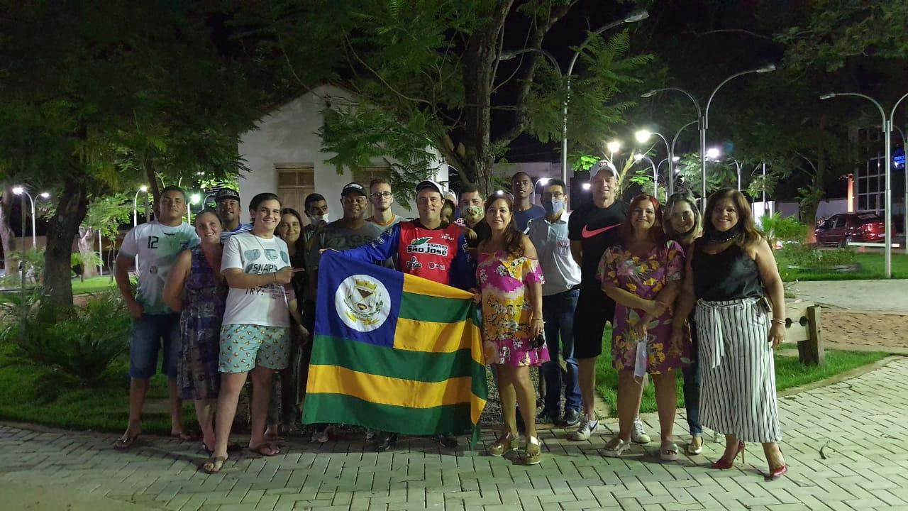 """Campeão brasileiro do Rally Cross Country """"Leandro Mokfa"""" foi recebido com carreta em Dianópolis"""
