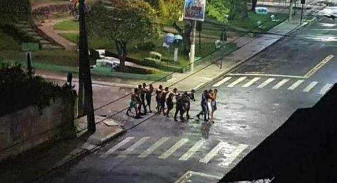 Vídeos: Quadrilha toma ruas, assalta bancos e faz reféns em Cametá – PA, às margens do Rio Tocantins