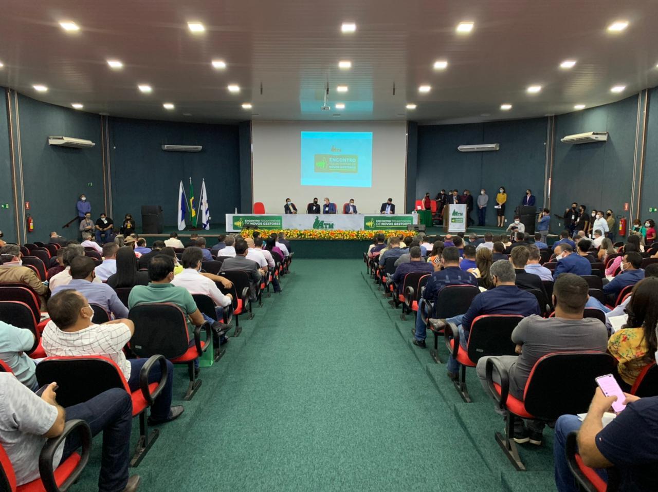 Celso Morais participa do Encontro Tocantinense de Novos Gestores