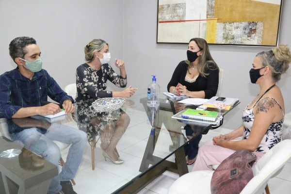 Emendas de Dulce Miranda somam R$ 200 mil para Defensoria Pública do TO