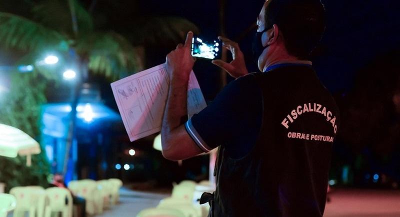Prefeitura de Palmas começa rondas diárias para fiscalizar horário de fechamento do comércio