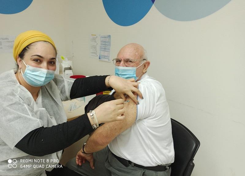 Israel consolida posição de liderança mundial na vacinação contra o coronavírus
