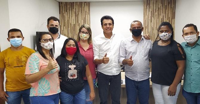 Nilton Franco recebe em seu gabinete prefeito, vereadores e secretários de São Félix do Tocantins
