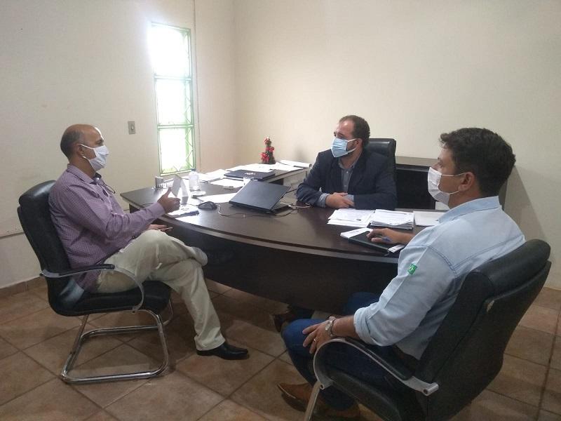 Ruraltins e ONG Mãos que Plantam discutem projeto para desenvolver extrativismo da macaúba no Tocantins
