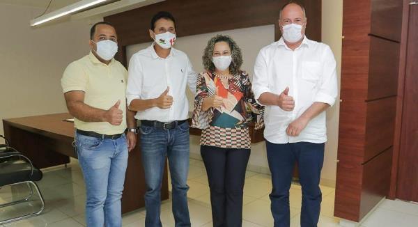 Prefeito Flavão solicita implantação de campus da Unirg em Divinópolis