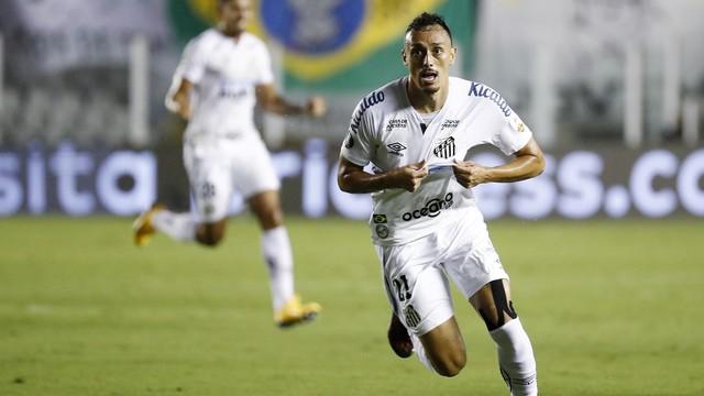 Santos atropela o Boca e decide Libertadores com o Palmeiras