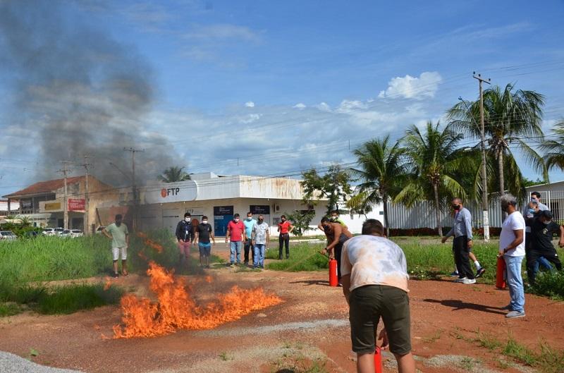Após curso de brigadista, servidores da Câmara de Palmas aprendem a lidar com incêndio