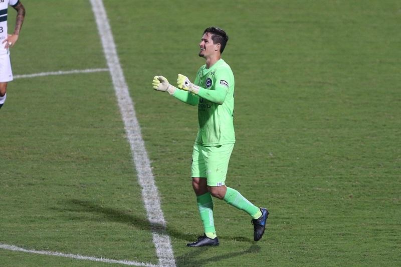 Após segunda vitória seguida, Tadeu acredita em permanência do Goiás na série A