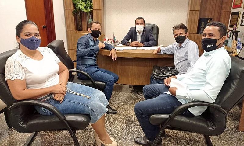 Vice-governador Wanderlei Barbosa se reúne com prefeitos e vereadores e recebe demandas