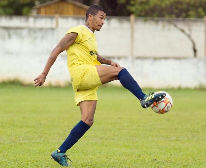 Atacante Bruninho é destaque no futebol tocantinense