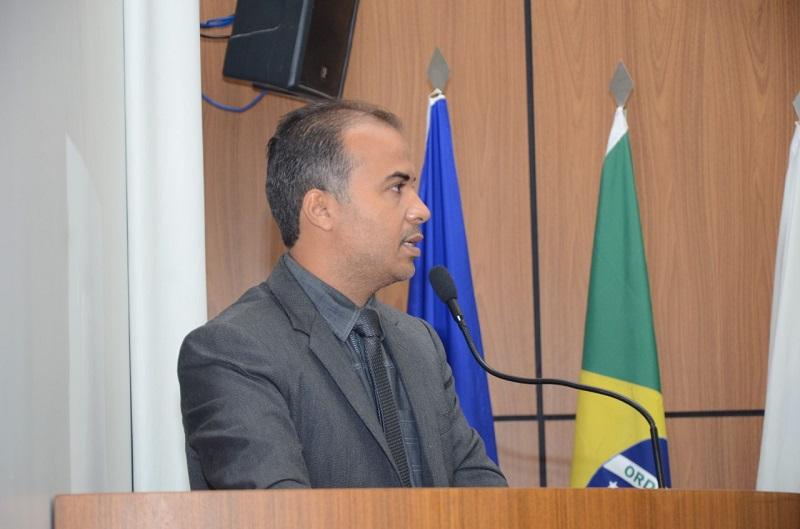 Sobre decreto da AL, vereador Filipe Martins diz que politizar pandemia é pirotecnia