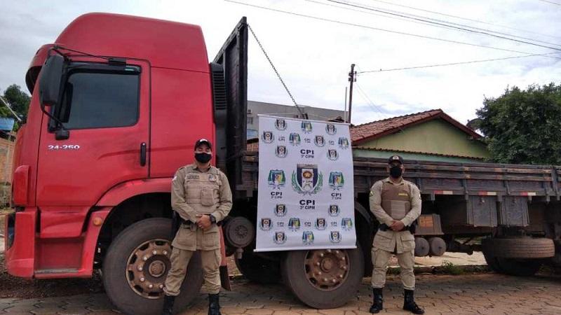 Em Colinas, PM localiza caminhão e prende suspeito de ter roubado o veículo no Maranhão