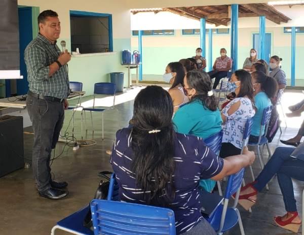 Profissionais do povoado Café da Roça, em Pium, recebem formação pelo Projeto Recriar Vidas