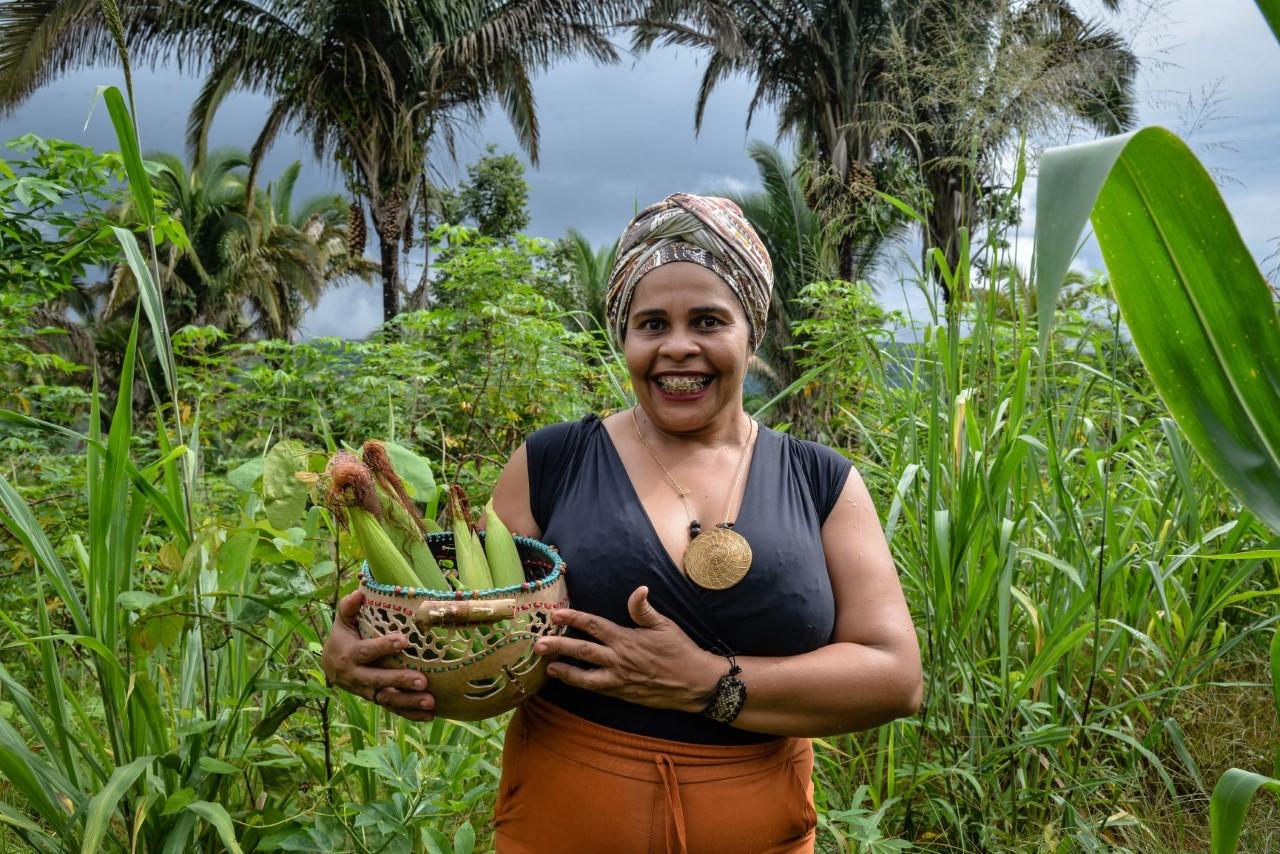Chef Ruth Almeida lança livro com receitas que focam identidade gastronômica do Tocantins