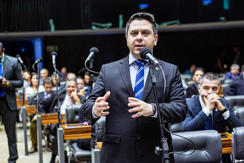 Tiago Dimas comemora decisão do STF que permite Estados e municípios comprarem e distribuírem vacinas contra Covid-19