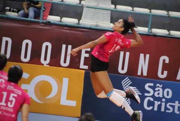 Na despedida de Carol Albuquerque, Osasco vence e garante vice-liderança da Superliga