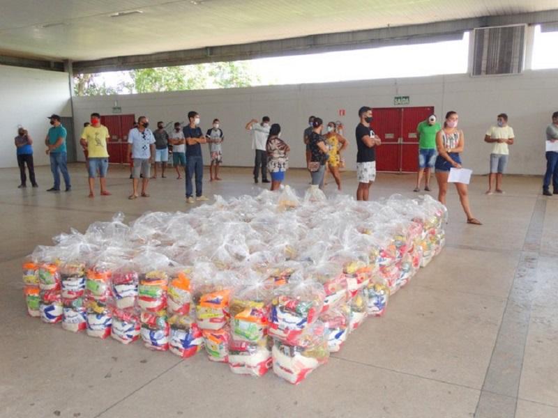Setor cultural recebe segunda entrega de cestas básicas em Araguaína