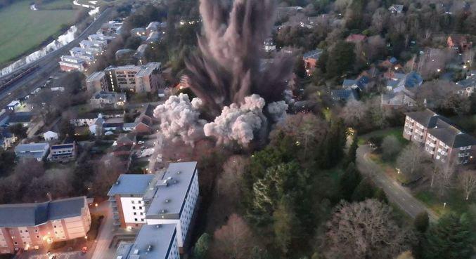 Bomba da Segunda Guerra é detonada no Reino Unido; veja vídeo